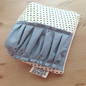 Image of Chambray large zip pouch // fancy dot