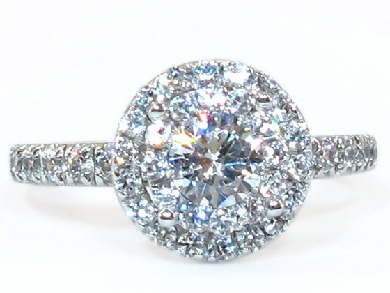 Image of 14kt HALO engagment style DZ6