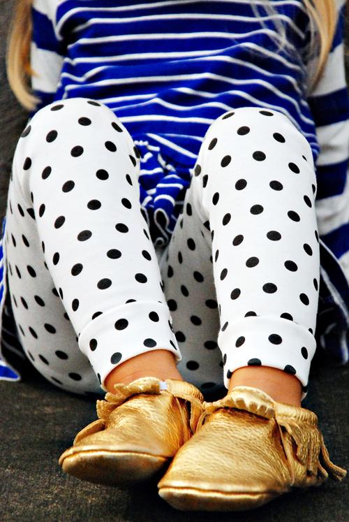 Image of organic cotton black + white polka-dot cuffed leggings