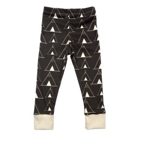 Image of Charcoal Teepee Print Leggings
