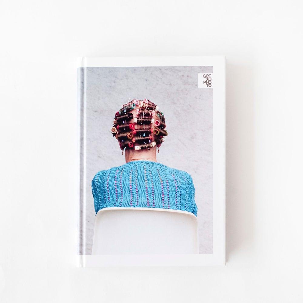 Image of Libro / Book: Zaharrei gorazarre / Elogio de la vejez / In praise of elderly (2011)