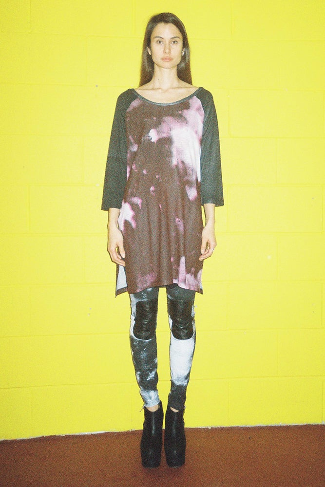 Image of Women's Raglan Bleach Print T