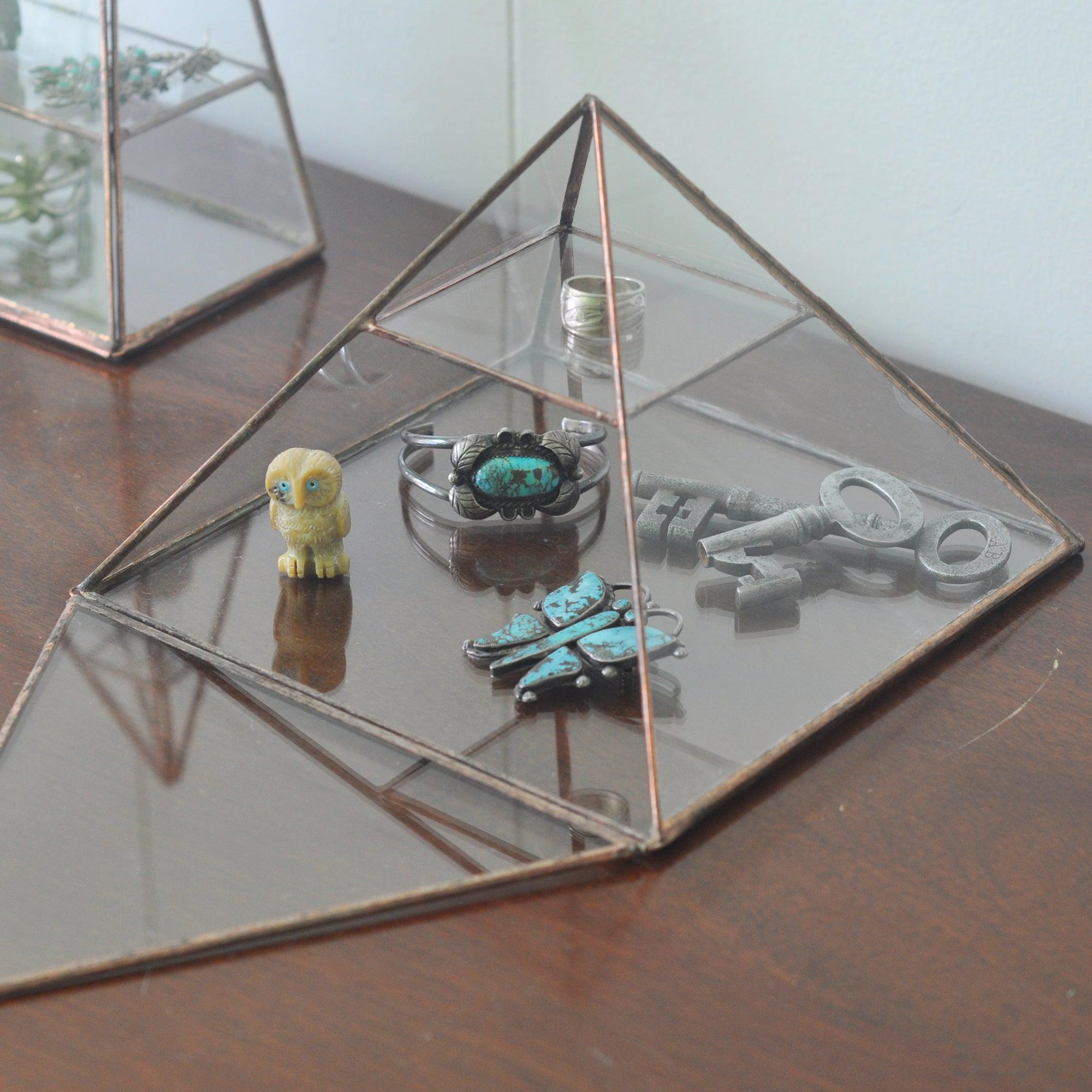 Vega Pyramid ABJ glassworks