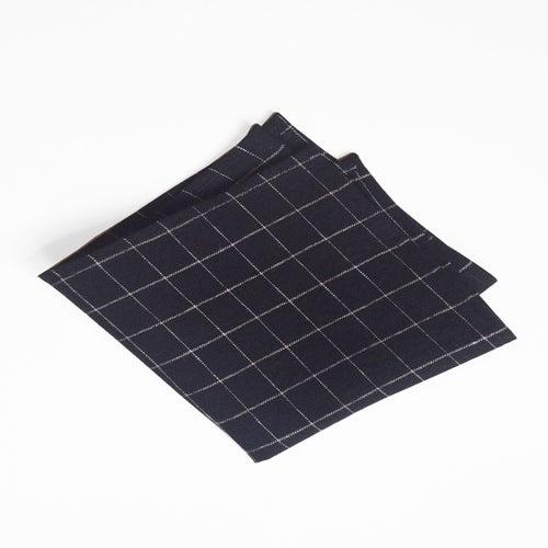 Image of b+w grid linen square