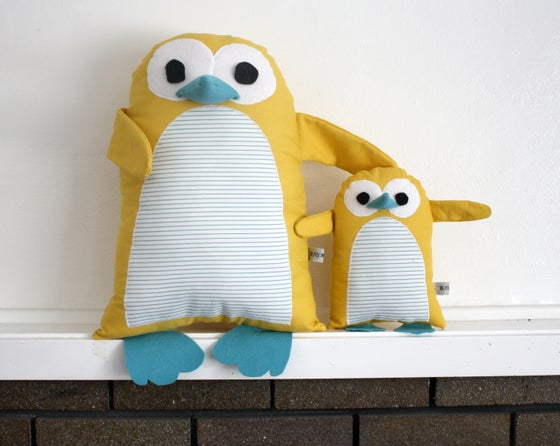Image of Plucky Penguin Pillow and Plushie Pattern (PDF)