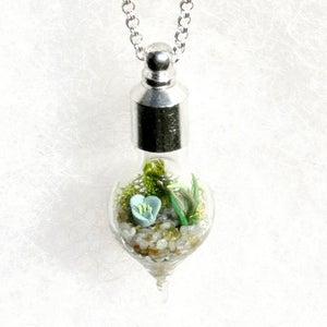 Image of Garden Jewelry - Glass Terrarium Necklace, Terrarium Pendant Necklace
