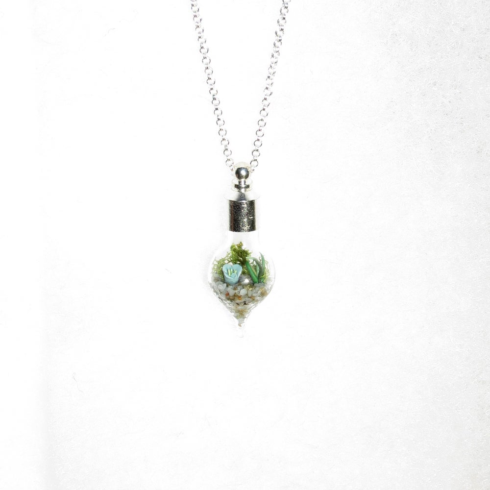 Image of Garden Jewelry - Glass Terrarium Necklace, Terrarium Pendant Necklace