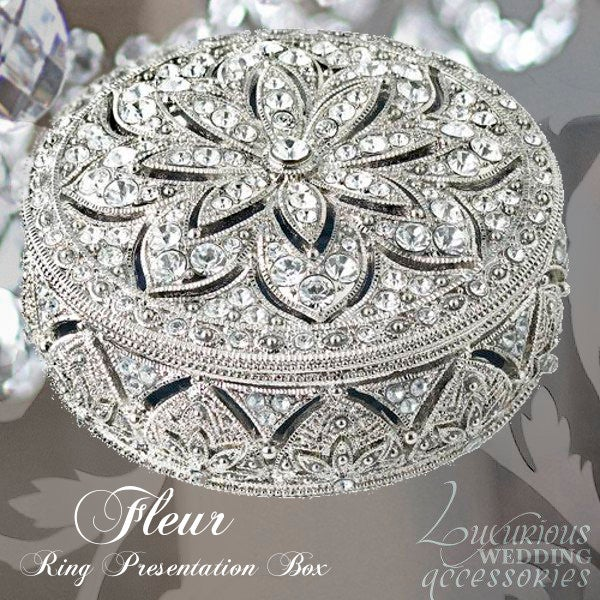 Image of Swarovski Crystal Engagement Ring Box Bliss Fleur