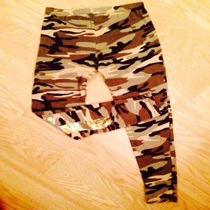 Image of (Hot Pick Of The Week) Camo Knee Cross Leggings