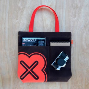 Image of Rounded X utility bag | Color options