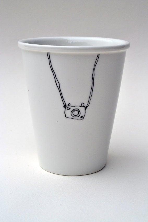 "Image of Gobelet en porcelaine ""appareil photo"""