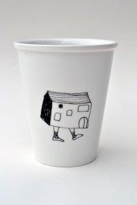 """Image de Gobelet en porcelaine """"la maison qui marche"""""""