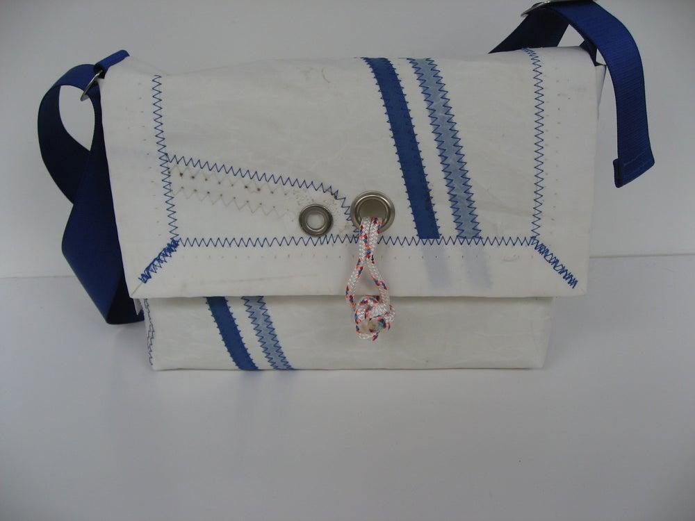 Image of Dover Tasche mit blauen streifen