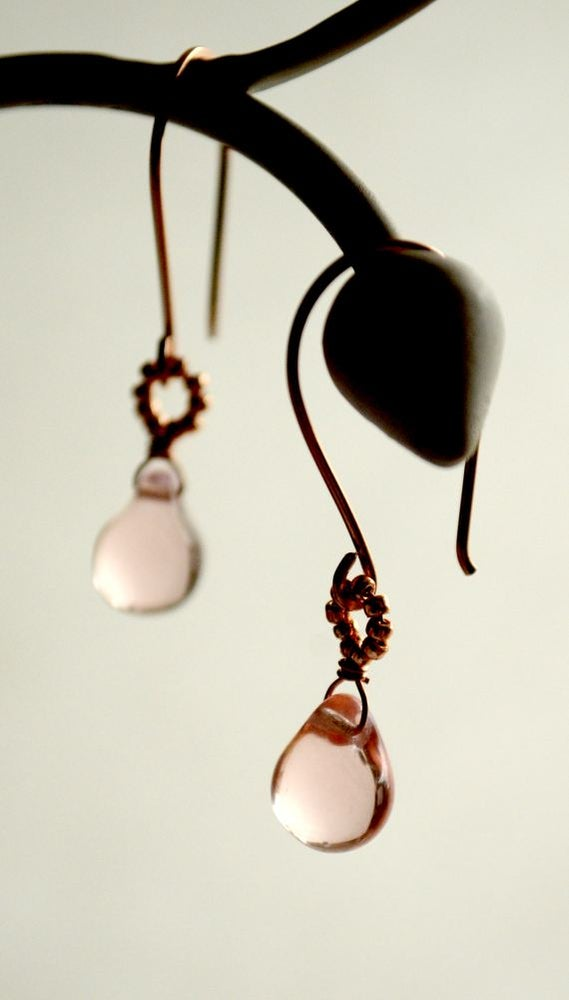 Image of Rose gold pink glass dangle earrings - Makou v2