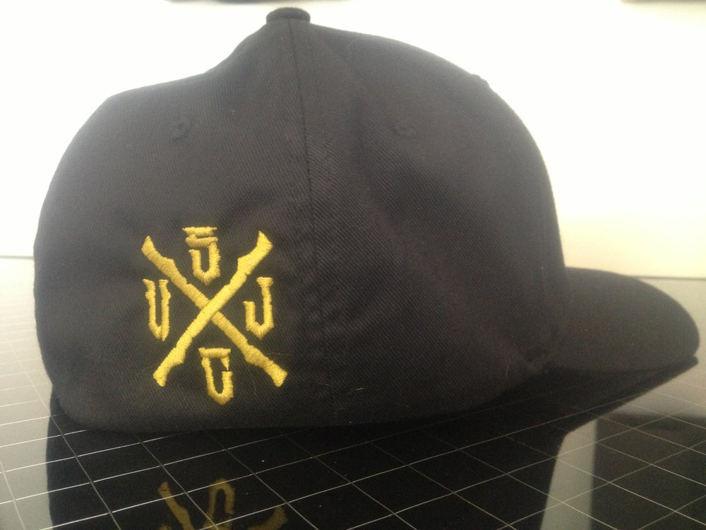 Image of FLEX FIT BRASS KNUCLE HAT