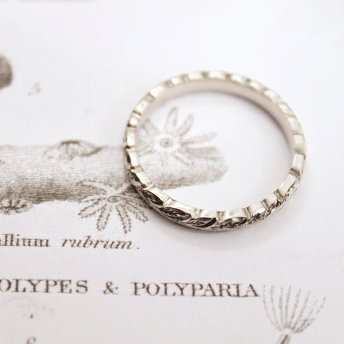 Image of palladium 3mm laurel leaf