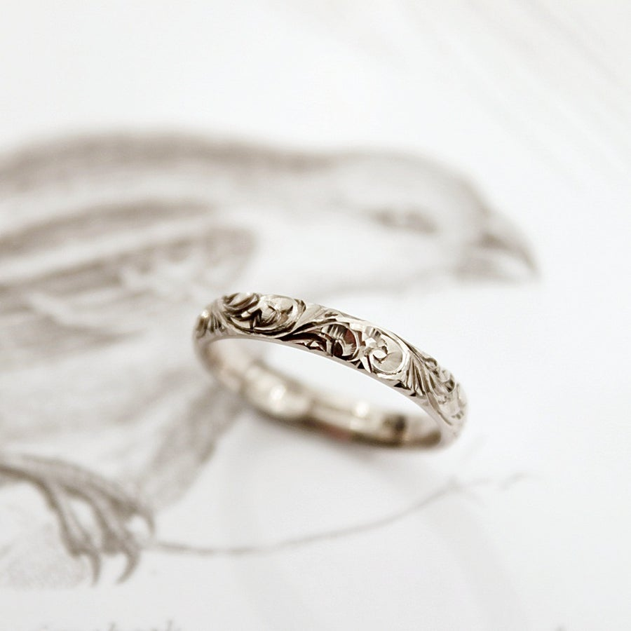 Image of 18ct white gold 3mm floral engraved