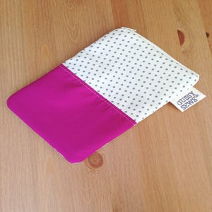Image of Fuchsia eReader case // Fancy Dot
