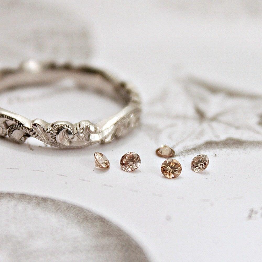 Image of 2.0mm brilliant~cut champagne diamond