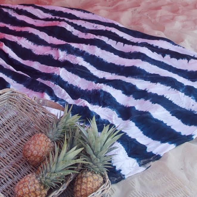 Image of THE STRIPY BEACH SHEET