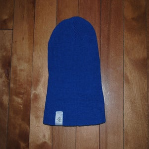 Image of .blue.beanie.