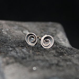 Image of One Pair of Twisted Earrings small