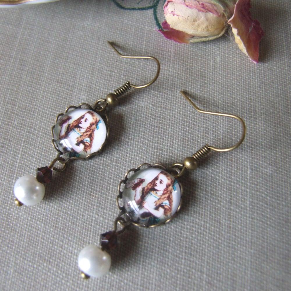 "Image of ""DRINK ME"" Alice Inspired Earrings"