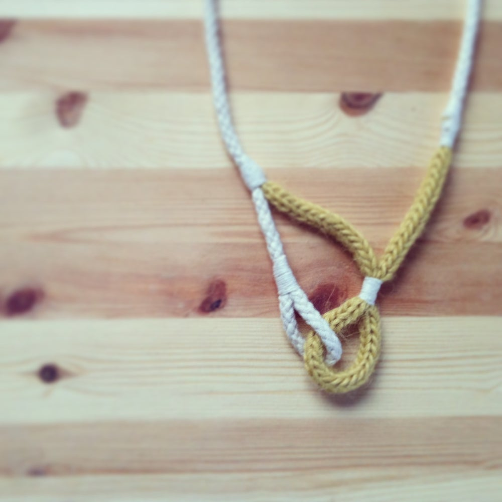 Image of necklace 3
