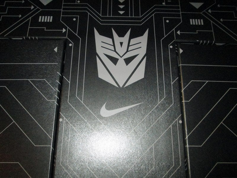 "Image of CJ81 Trainer Max LE Pack ""Megatron Rises"""