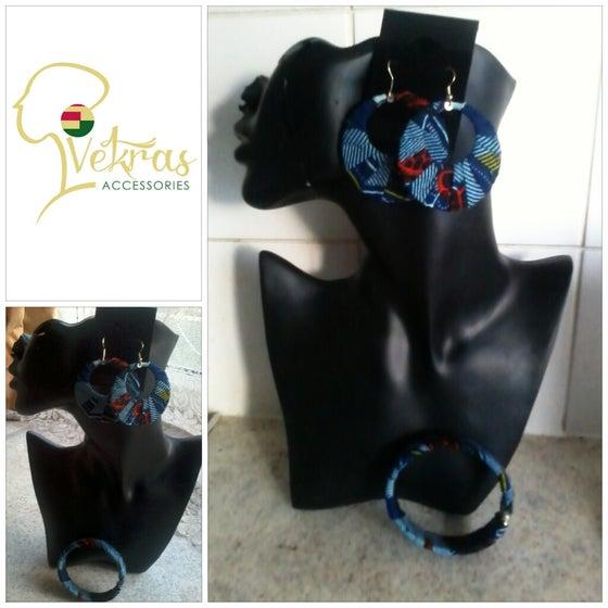 Image of Vekras Blue Hoops Earrings Set