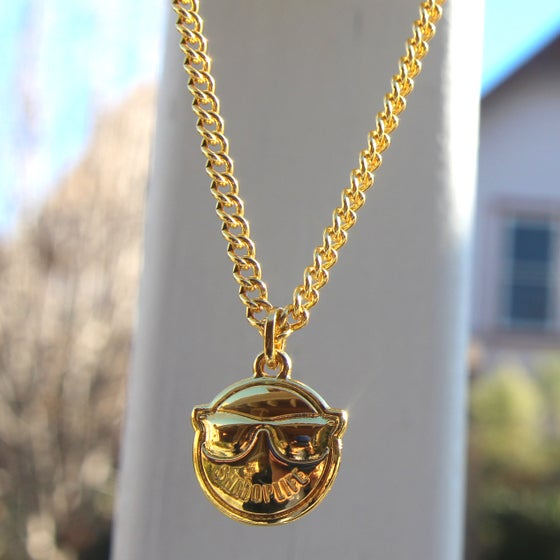 Image of SHMOPLIFE GOLD CHAIN AND PENDANT