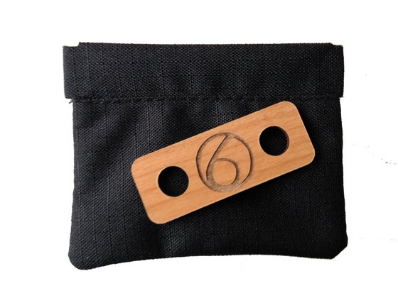 Image of The Earphone Bag and Slack Winder