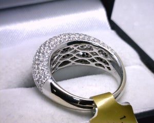 Image of 18K White Gold Black/White Diamond Ring