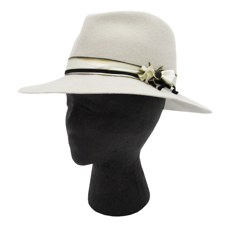 Image of smoke hat