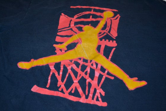 Image of VINTAGE NIKE AIR JORDAN T-SHIRT BLACK/RED