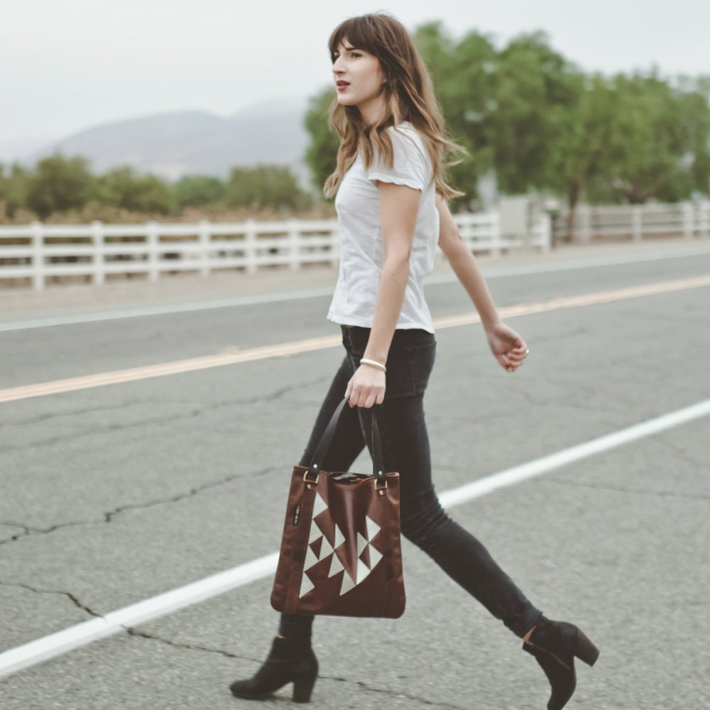 """Image of """"TRIANGLES"""" LEATHER TOTE"""