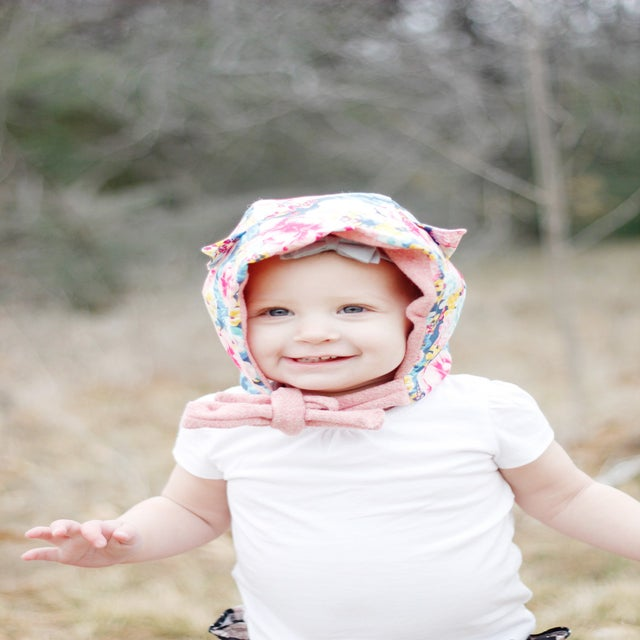 Image of the FAIRYTALE mini capelet and HOOD