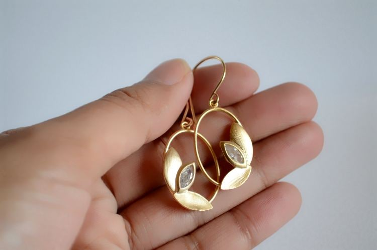 Image of Oval leaf trio earrings