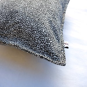 Image of -50% Coussin Black & White