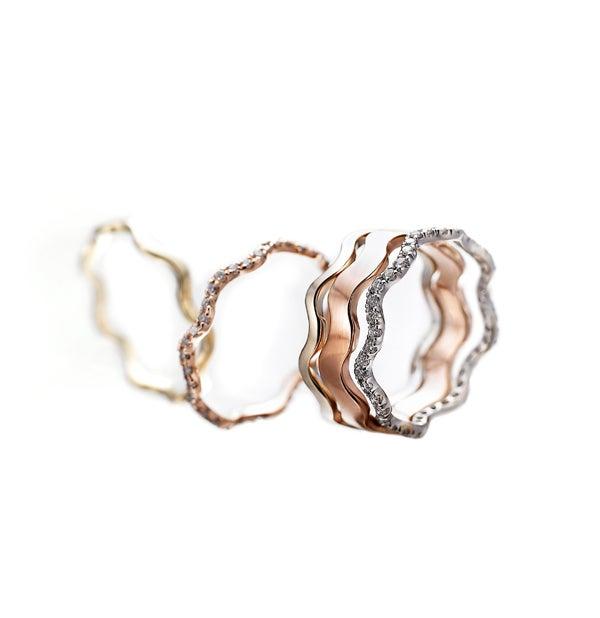 Image of Vasa Skinny Wave Ring