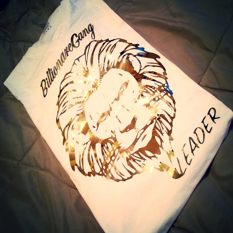 Image of 24kt Lions Vneck White