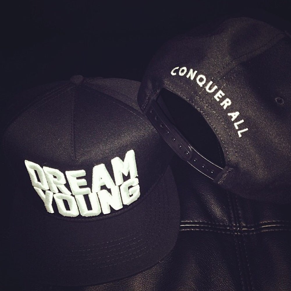 "Image of ""DREAM YOUNG"" SNAP BACK"