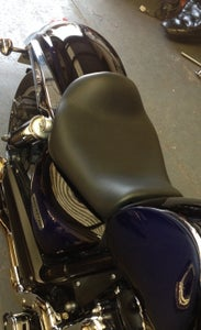 Image of TRIUMPH ROCKET 3 CLASSIC AND ROADSTER MAVERICK LOWRIDER LOW PROFILE LEATHER SEAT