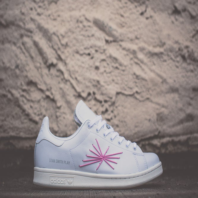 "Image of ADIDAS STAN SMITH CONSORTIUM X Shigeki Fujishiro ""PLAY"""