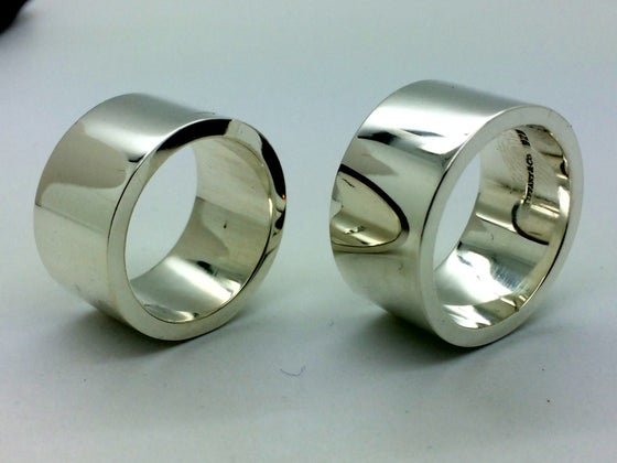 Image of Tiffany&Co Paloma Picasso Wedding Bands