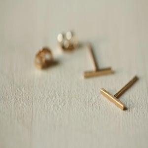 Image of Med Gold Bar Post