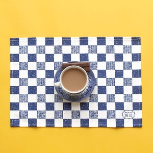 Image of Checkered Place mat - Blue
