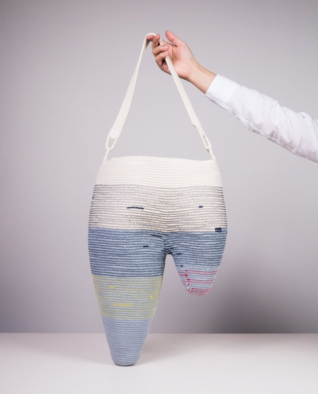 Image of 2-hump tote