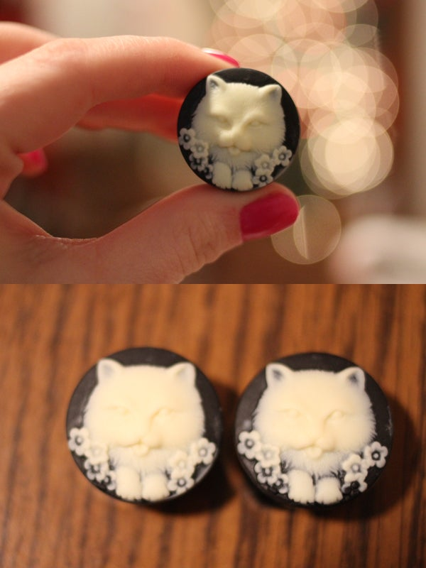 "Image of Kitty Cameo Plugs (sizes 5/8-1"")"