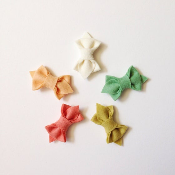 "Image of The Flora Bow- ""Summer Treats"" Single Bow"